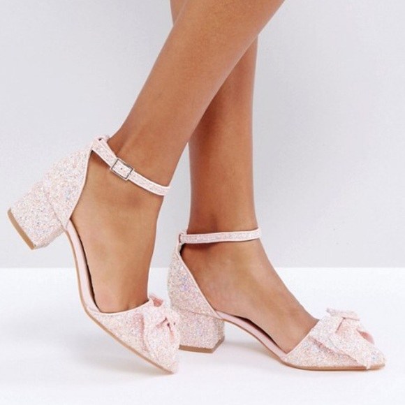 46496922641d Truffle Collection Bow Mid Heel Shoe Size 5. M 5b7c857b5bbb80e4503cf35d